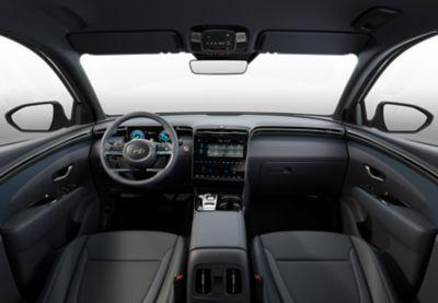Widok kokpitu we wnętrzu nowego kompaktowego SUV-a Hyundai TUCSON Plug-in Hybrid.