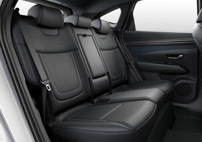 Tylne siedzenia Nowego Hyundaia TUCSON Plug-in Hybrid.