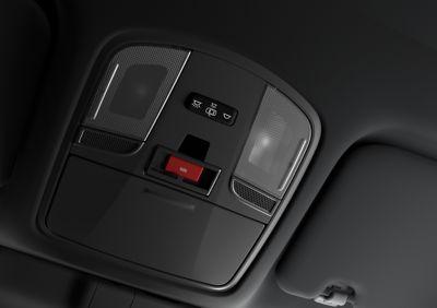 Botón eCall en la parte superior del interior del KONA N.