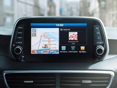 """Immagine dello schermo da 8"""" con sistema di navigazione di Hyundai Tucson"""