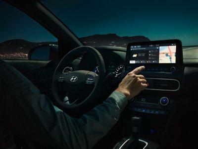 Imagen del interior del Hyundai KONA Híbrido eléctrico.
