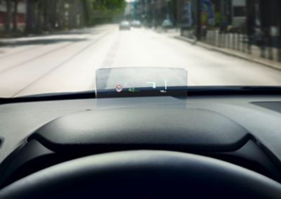 The Head-up display in the new Hyundai Kona Hybrid projecting important informations in your sight.