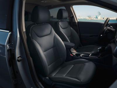 Sièges avant de la nouvelle Hyundai IONIQ plug-in.