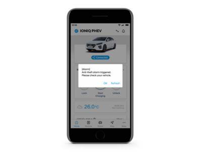 Detail aplikace Hyundai Bluelink s upozorněním na detekci krádeže.