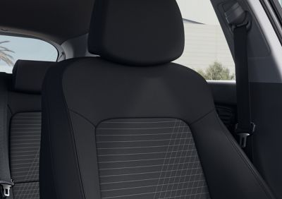 Close-up of the all-new Hyundai i20's driver's seat, Black Mono colour scheme