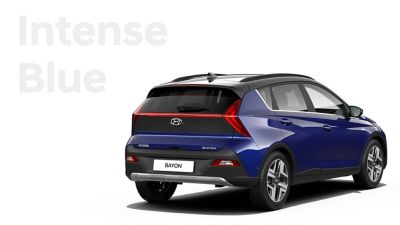 Las diferentes opciones de color para el nuevo SUV crossover Hyundai BAYON: Intense Blue Pearl.