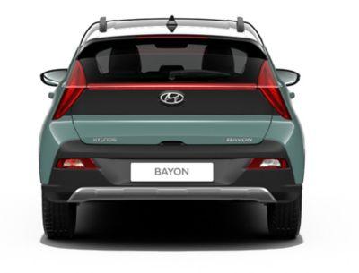 Achteraanzicht van de Hyundai BAYON, de nieuwe, compacte crossover-SUV.