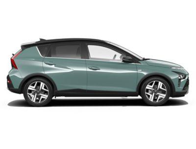 Zijaanzicht van de Hyundai BAYON, de nieuwe, compacte crossover-SUV.