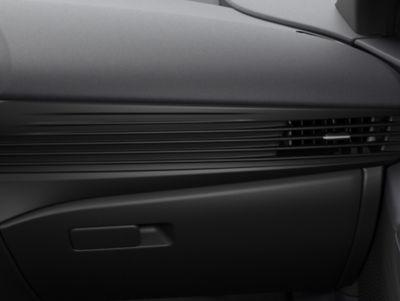 Het slanke en stijlvolle dashboard in de Hyundai BAYON, de nieuwe, compacte crossover-SUV.