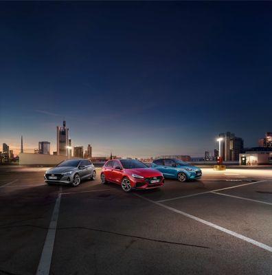 Nuova gamma city car i-range Hyundai in un parcheggio