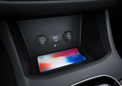 wireless charging in the centre console ofthenewHyundai i30 Fastback N