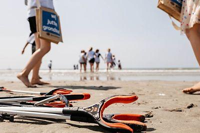 Hyundai parraine le nettoyage des plages pour que nos océans restent propres.