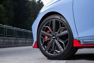 The high-performance brakes on the all-new Hyundai i20 N.