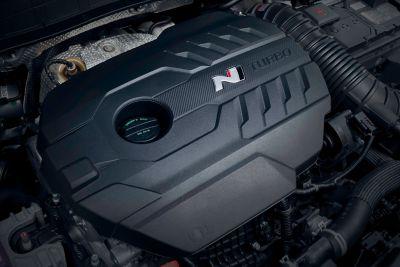 Detalle del motor turboalimentado del Hyundai KONA N.