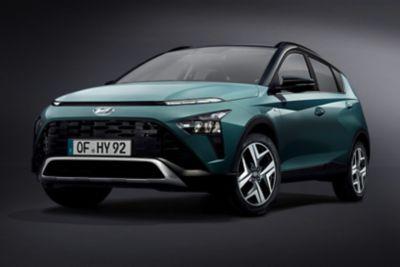 Nowy Hyundai BAYON przedstawiony przodem w widoku 3/4.