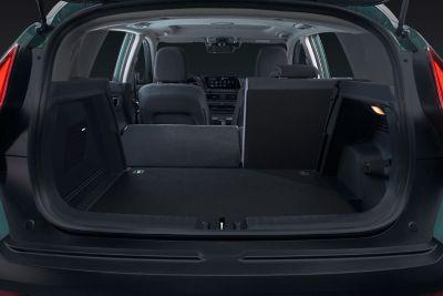 Bagażnik złożony w proporcjach 60/40 w modelu Hyundai BAYON.