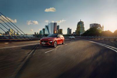 L'Assistance active au maintien de voie (LKA) Hyundai SmartSense vous aide à rester dans votre voie.