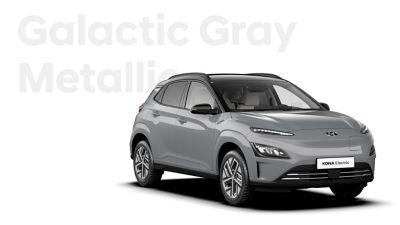 The Hyundai KONA Electric with the exterior colour Galactiv Gray Metallic.