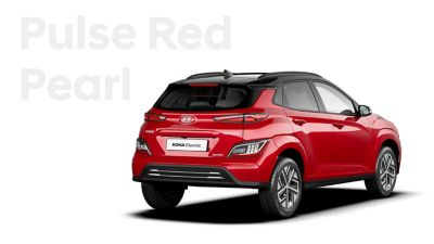 The Hyundai KONA Electric with the exterior colour Pulse Red Pearl.