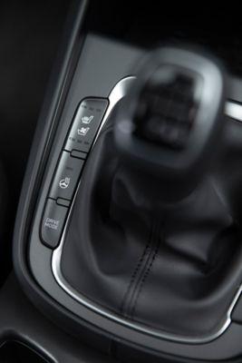 Sterowanie podgrzewaniem przednich siedzeń w Nowym Hyundaiu KONA.