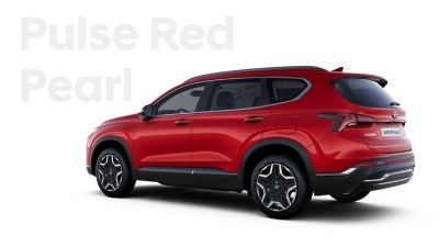 The exquisite exterior colours of the new Hyundai SANTA FE Hybrid: Pulse Red Pearl.