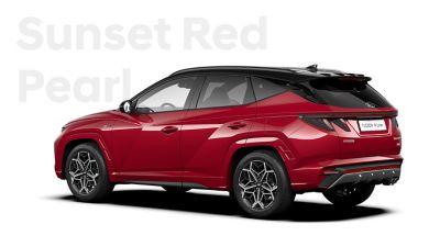 SUV compact Hyundai TUCSON Plug-in N Line Nouvelle Génération dans sa teinte Sunset Red.