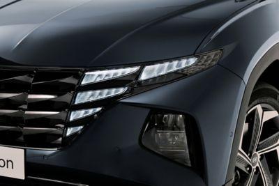 Przednie światła Hyundaia Tucson Nowej Generacji.