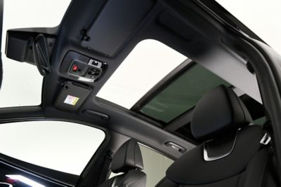 The all-new Hyundai Tucson compact SUV's optional panorama sunroof.