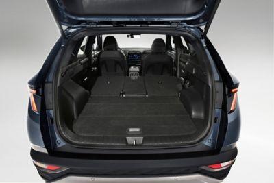 Hyundai Tucson dimensioni bagagliaio aperto con sedili reclinati