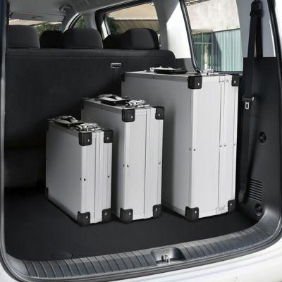 Espacio de carga versátil del Hyundai STARIA con equipaje.
