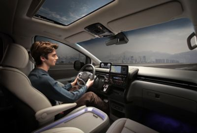 Digital 10.25 inch cluster of the all-new Hyundai STARIA Wagon and Premium.
