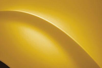 Uno de los ocho colores exteriores del nuevo Hyundai STARIA: Dynamic Yellow.
