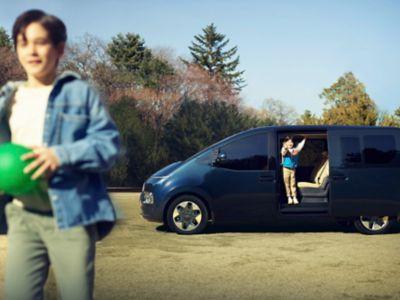 Interior of the all-new Hyundai STARIA Premium 7-seater.