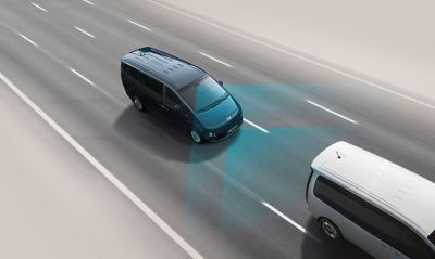 Sistema de asistencia a la frenada de emergencia (FCA) del nuevo Hyundai STARIA.