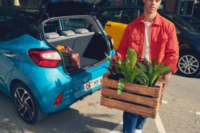 Image of the 252 litres luggage space in the all-new Hyundai i10.
