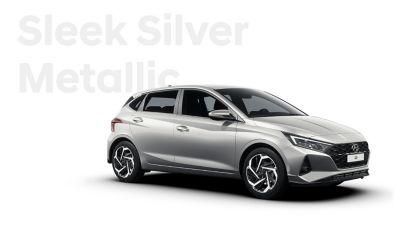 Nový Hyundai i20 v pravém bočním pohledu, barevné schéma Sleek Silver