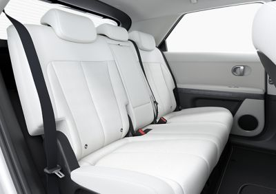 Il posizionamento flessibile dei sedili nel SUV Crossover compatto 100% elettrico Hyundai IONIQ 5.