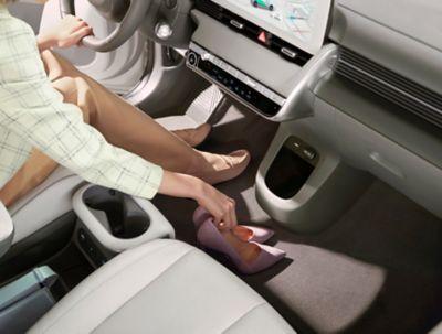 Il design innovativo del SUV Crossover compatto 100% elettrico Hyundai IONIQ 5 che garantisce più spazio.