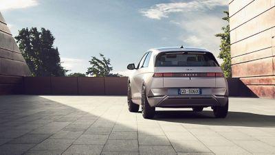 Il portellone Smart Power del SUV Crossover compatto 100% elettrico Hyundai IONIQ 5.