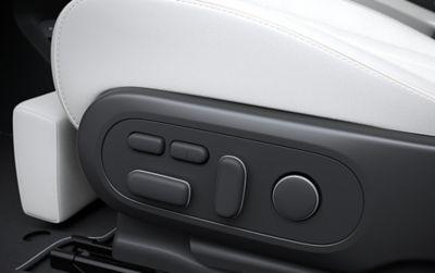 I sedili anteriori totalmente regolabili del SUV Crossover compatto 100% elettrico Hyundai IONIQ 5.