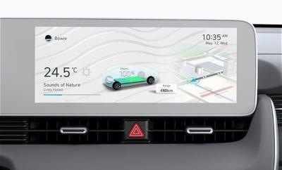 Il display touchscreen dell'infotainment da 12.3'' del SUV Crossover compatto 100% elettrico Hyundai IONIQ 5.
