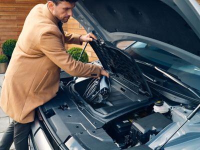 I 57 litri di spazio di carico anteriore all'interno del crossover 100% elettrico Hyundai IONIQ 5