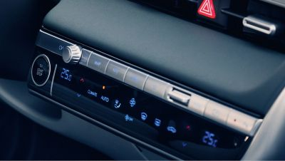 Details of the controls for the automatic dual zone air-conditioning in the Hyundai IONIQ 5 electric midsize CUV.