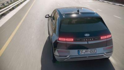 Sikkerhetsutstyr med nivå 2 autonomi i elbilen Hyundai IONIQ 5 Project 45 crossover. Foto.