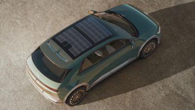Het innovatieve dak met zonnepanelen van de IONIQ 5 Project 45 elektrische CUV.
