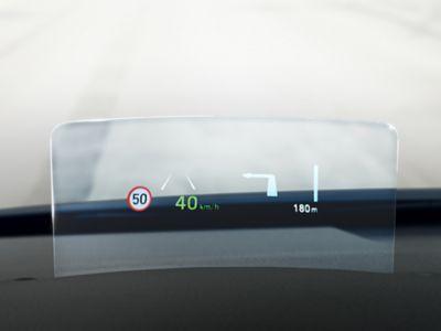 Illustrazione del sistema di riconoscimento dei limiti di velocità di Hyundai Kona Hybrid