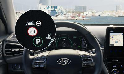 Ilustración del sistema inteligente de velocidad (ISLW) del Hyundai IONIQ Híbrido.