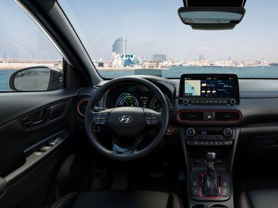 Dettaglio degli interni color Red di Hyundai Kona Hybrid