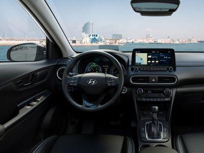 Dettaglio degli interni color White di Hyundai Kona Hybrid