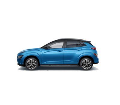 Immagine laterale del SUV compatto Nuova Hyundai Kona Electric con il suo profilo sportivo.